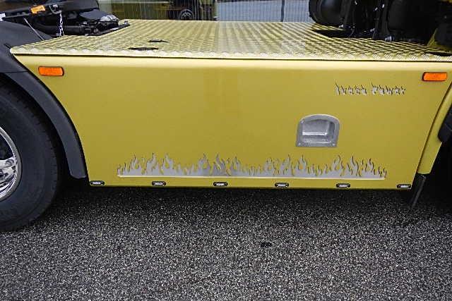 Dekorationsplader til autobranchen